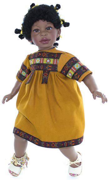 Кукла Алика, чернокожая, в горчичном платье с орна