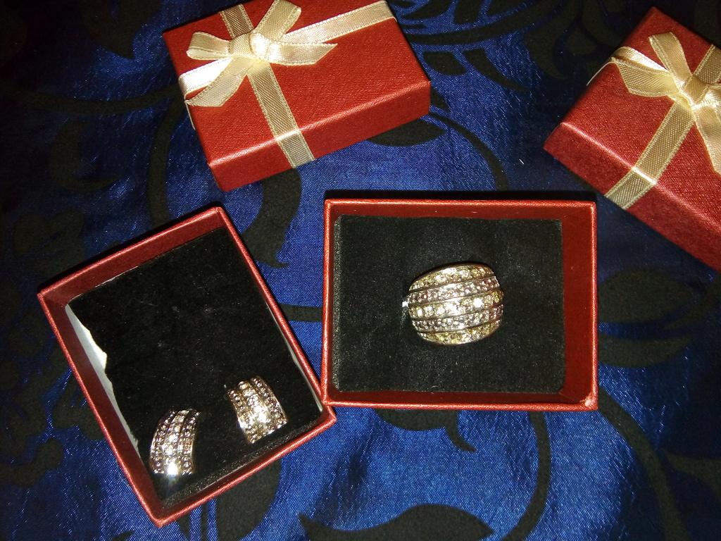Комплект бижутерии серьги + кольцо