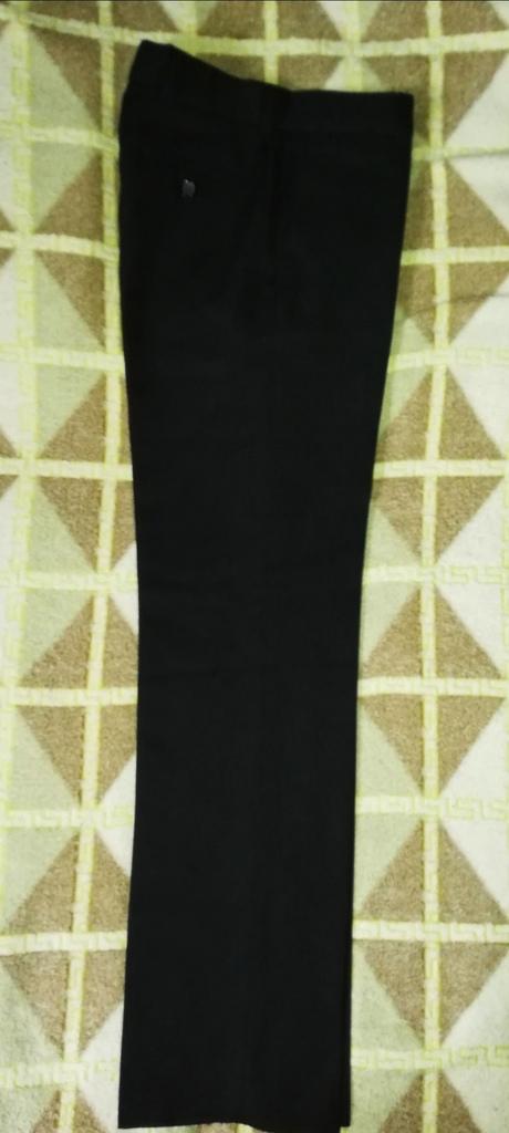 Отдам Брюки школьные р. 140-146,цвет чёрный... Фир