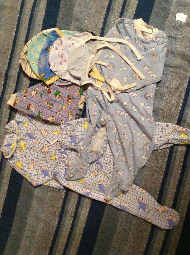Вещи для мальчика пакетом + подарки от 0 до 9 мес