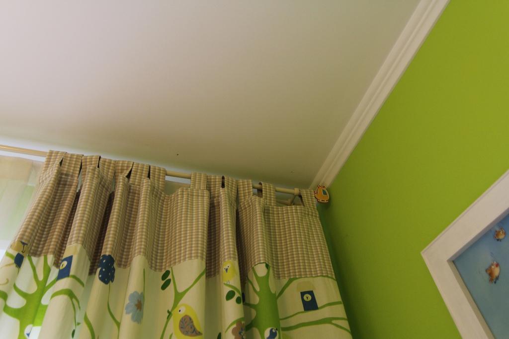 Мебель + текстиль + карнизы = детская комната