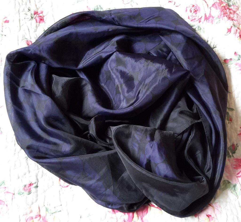 Платок сине-черный 100*105 см