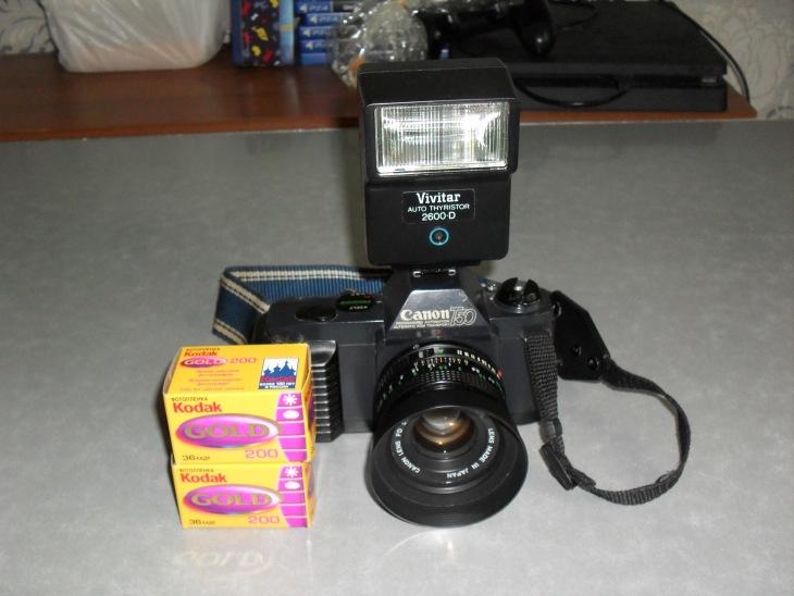 Фотоаппарат Canon T50 + Вспышка Vivitar