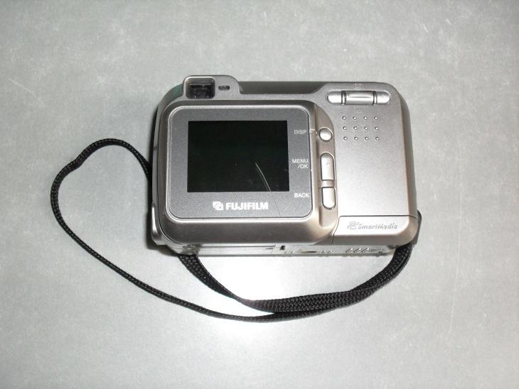 Фотоаппарат FujiFilm FinePix 2600 Zoom