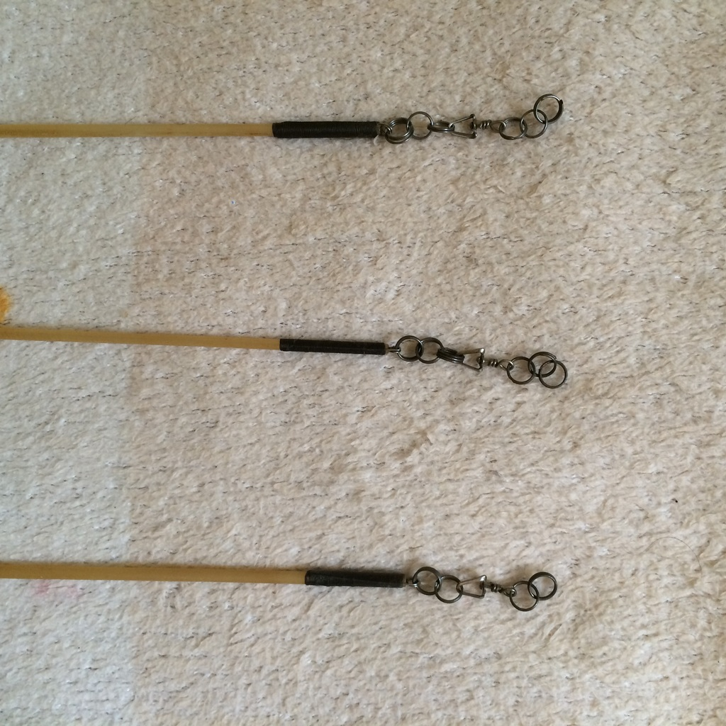 Палочки для лент 67 см с карабином новые