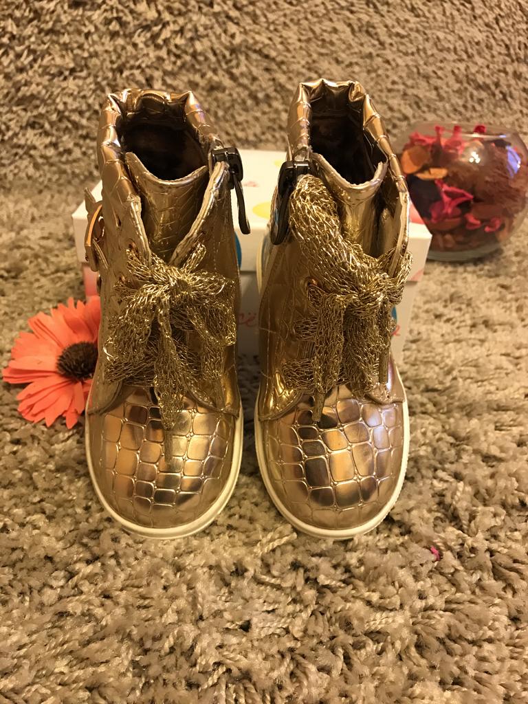 Детские модные ботинки осенние на девочек