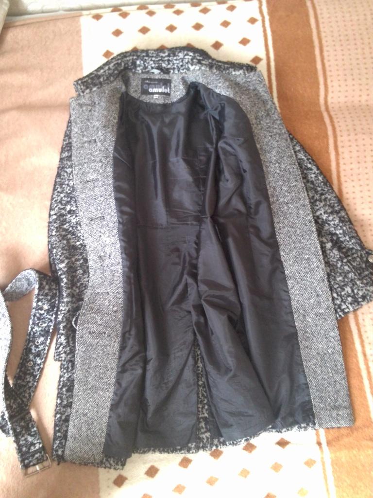 Пальто 48/50 шерсть в состоянии нового