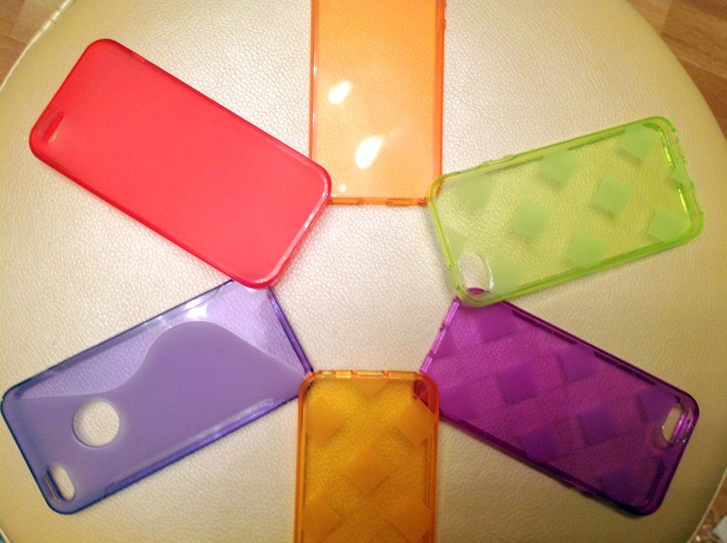Чехлы и бамперы на iPhone 5 и 5S силикон