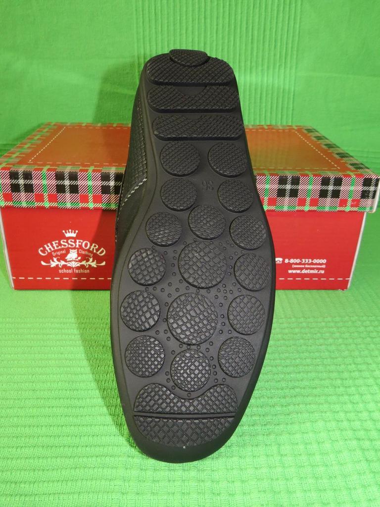 Туфли-мокасины для школьника. Новые!