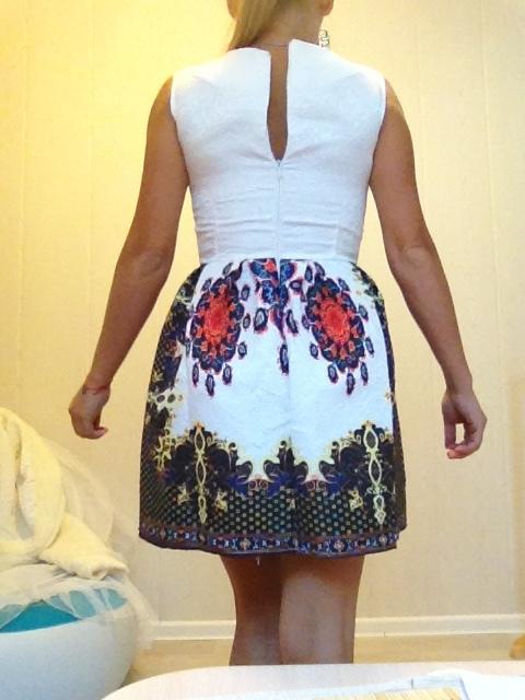 Новое стильное платье жаккард XS