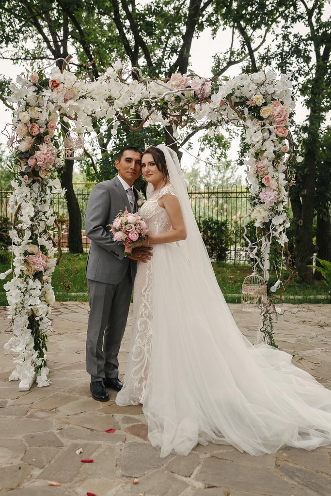 Продаю брендовое свадебное платье