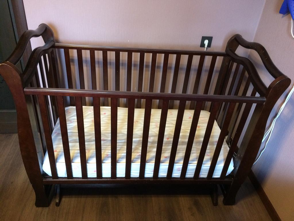 Кроватка-маятник поперечный Giovanni Magico