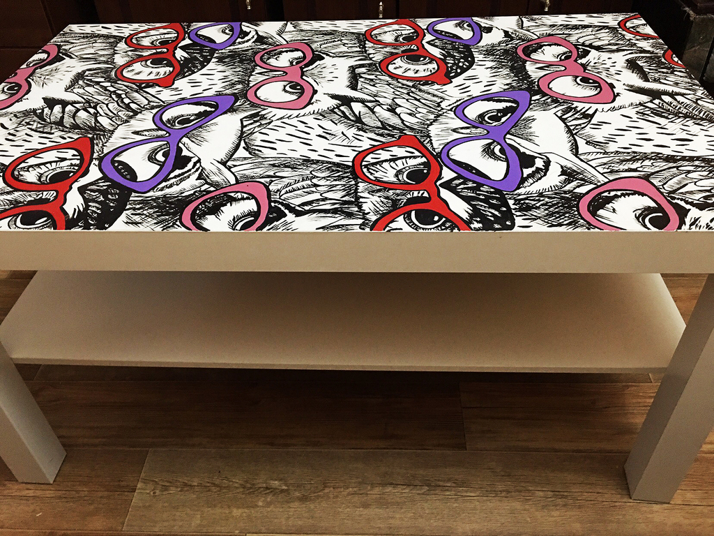 Новый столик с рисунком ручной работы