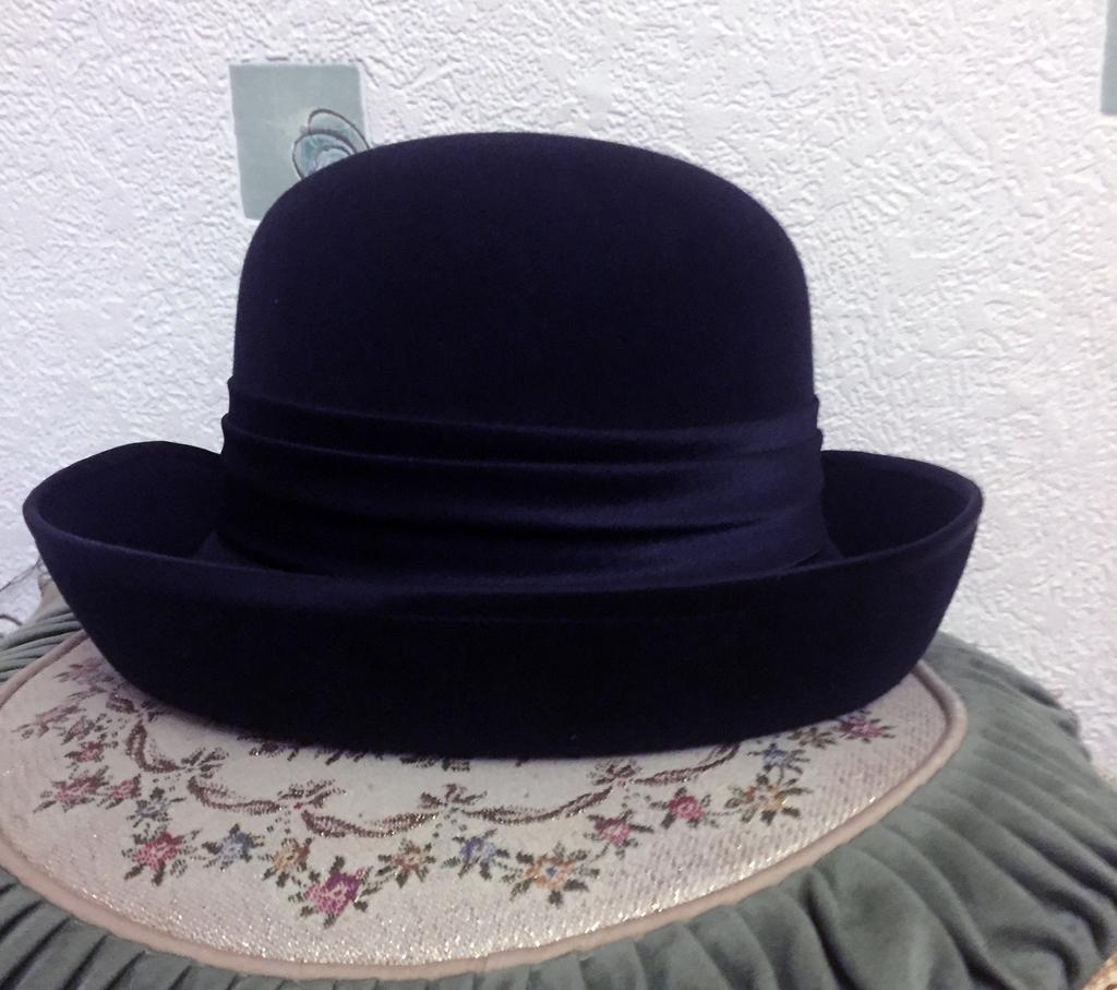 Стильная шляпка размер 54-55
