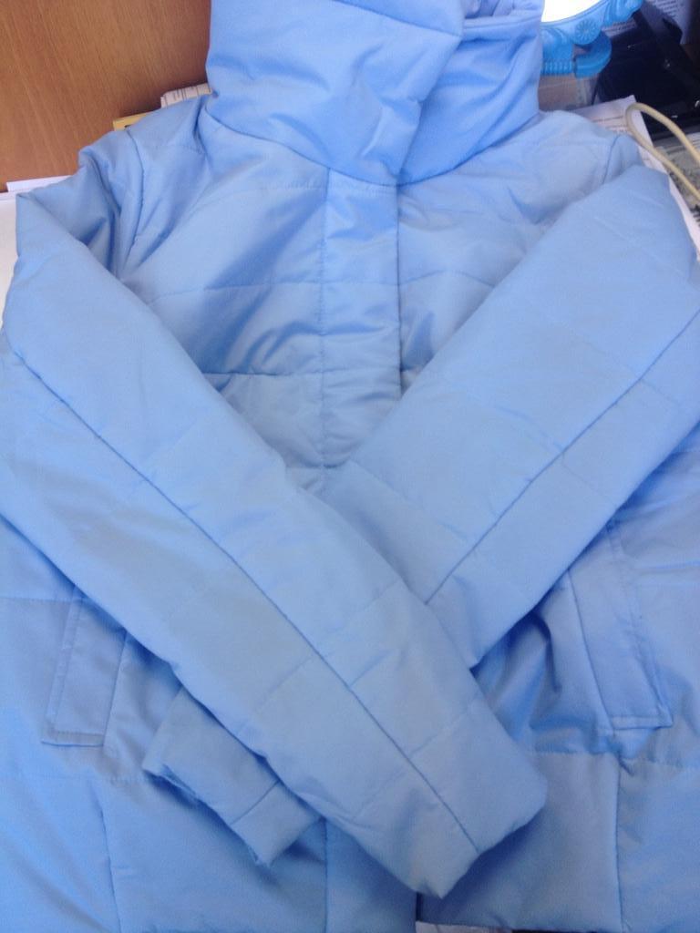 Легкая весенняя куртка! в наличии р.46 и 48