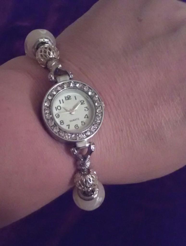Новые часы, с браслетом а-ля пандора