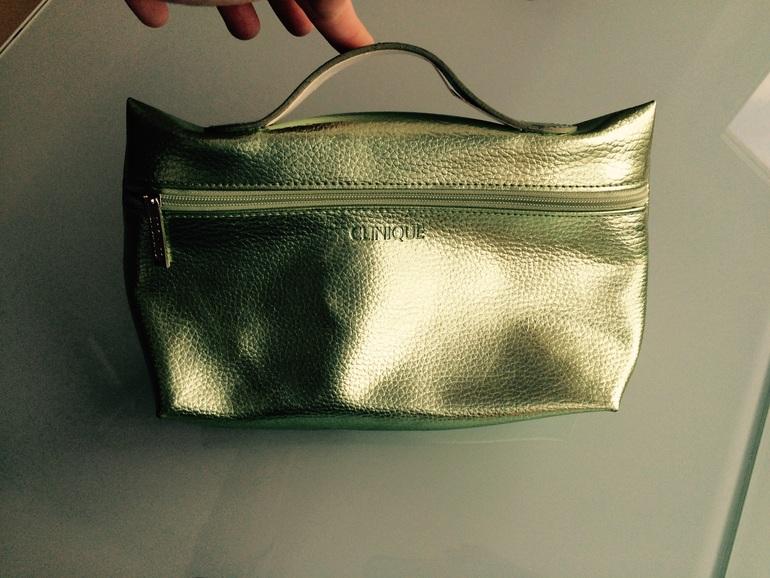 Новая Kосметичка-сумочка Clinique Зеленого цвета