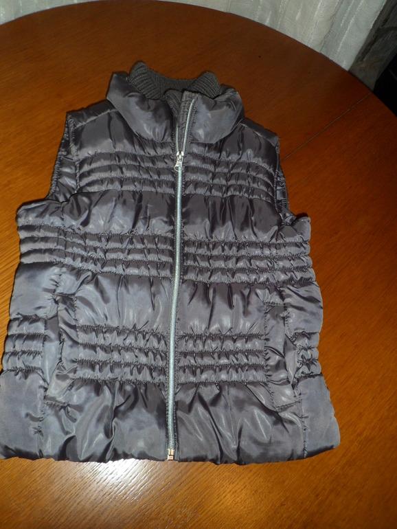 Утепленная жилетка Zara размер 122