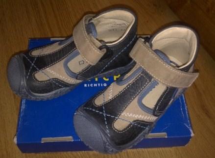 Новые туфли Richter  р.23