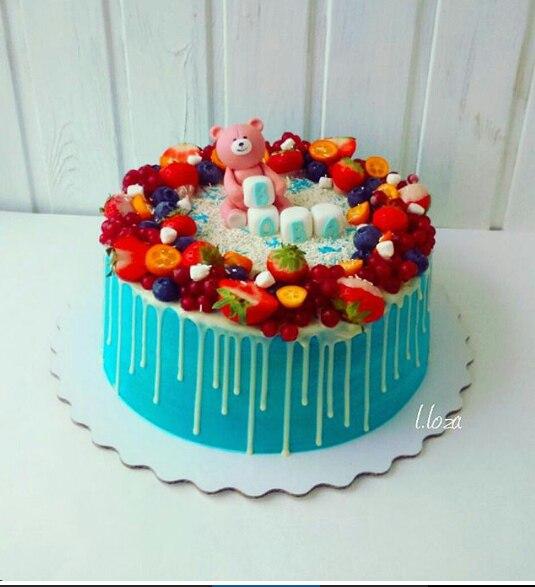 фото на торт годик ягодами с