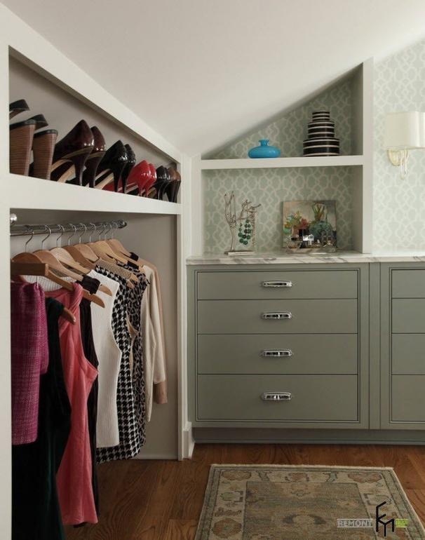 Wall wardrobe design