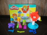 """Игровой набор Play-Doh """"Сумасшедшие прически""""."""