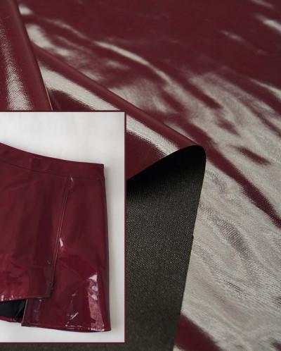 Лаковая экокожа, однотонная, цвет бордовый