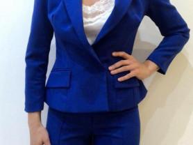 Яркий Синий Костюм Red Isabel сидит идеально!