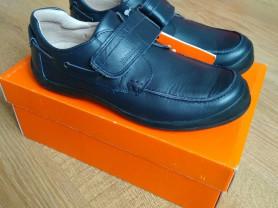Новые ботинки для школы Biomecanics