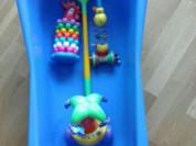 Ванна детская ванночка для купания б/у синяя голубая для мальчика пластик плотный качественный не тонкий держит тепло и плюс игрушки три все в комплекте за 1000₽ самовывоз метро Жулебино Котельники Лермонтовский проспект