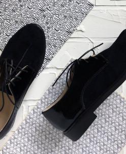 Удобные стильные кожаные туфли.