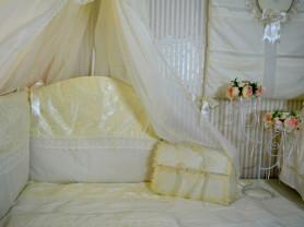 Комплект в кроватку из 12 предметов.