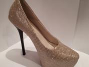 Новые золотистые туфли на любой вечер
