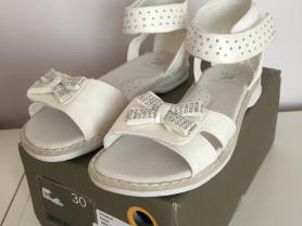 сандали белые новые bata 30 размер