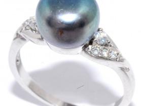 Кольцо Silver wings с жемчугом и куб.цмркон 18,5