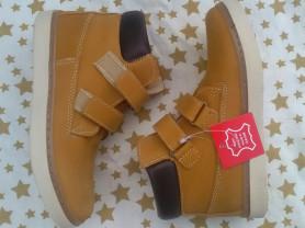 Ботинки на 25 и 31 размер