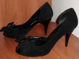 Туфли на каблуках черные замшевые р.39 ст. 25.5 см