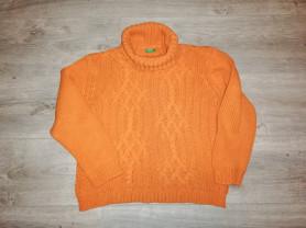 Отдам свитер Benetton р. 42, яркий