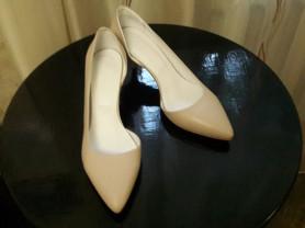 Женские туфли-лодочки