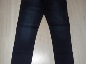 Фирм. джинсы Скинни новые с бирками и новый топ 48