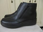 новые зимние ботинки р. 41 кожа