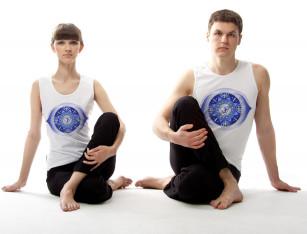 Майка для йоги (унисекс) белая с рисунком «Аджна»