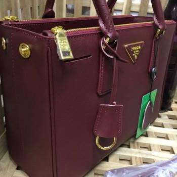 Купить копии сумочек Prada, купить реплики бредовых сумок