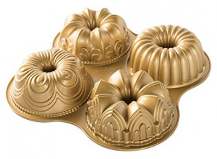 Nordicware 9 Cup Bundt Quartet Pan