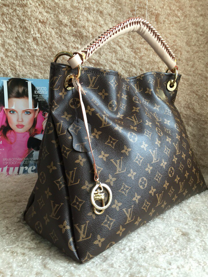 Магазин модных сумок, кошельков и портмоне, аксессуаров