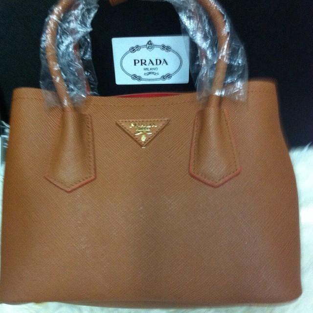 Prada - купить оригинал Prada в Москве, Санкт-Петербурге