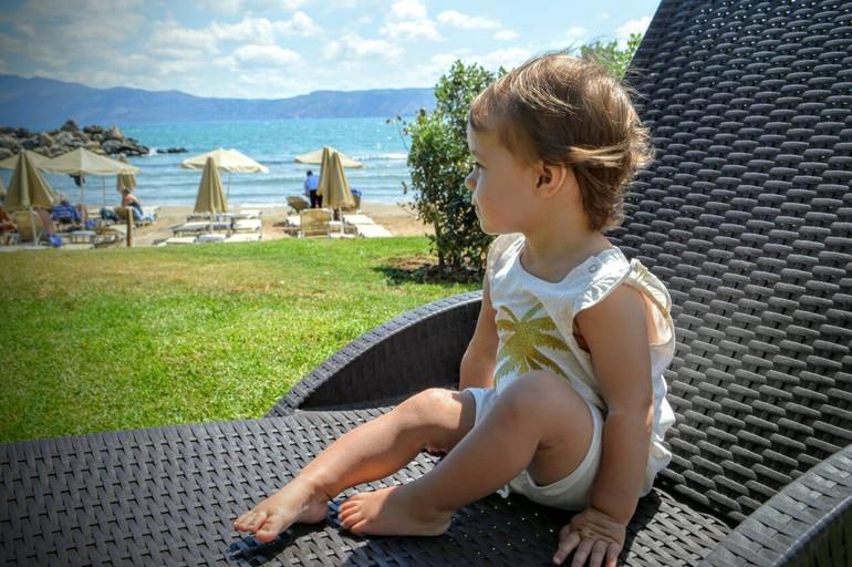 Малышке вдули глубоко в хорошем качестве 720 фотоография