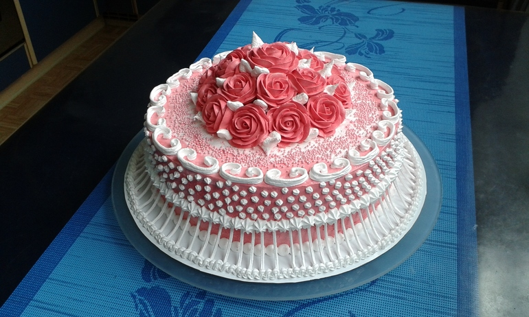 Фото украшения торта на юбилей